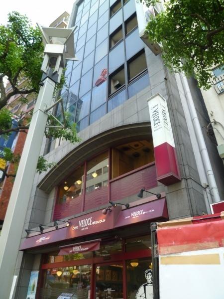 1.2階はカフェ・ベローチェさんです