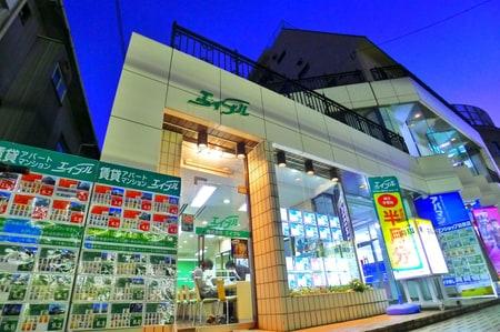 田無駅南口(改札出て右方向)から線路沿いに徒歩1分。駅出るとタバコ屋さん→自転車屋さん→エイブルです
