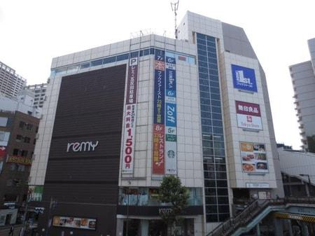 駅前大型デパート
