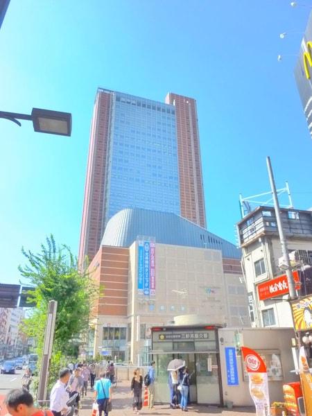駅からはキャロットタワーを目印に。