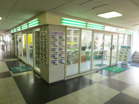 阪急茨木市駅北改札口の2F西出口より直結のソシオ2ビルの2階にございます。