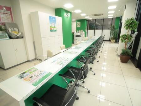 店内はお客様が快適に過ごして頂ける様に常に心掛けて清掃を行っています。
