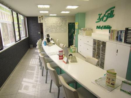 お店の清潔感だけでなく、お客様が気持ちよくご相談できる環境作りを心がけております。