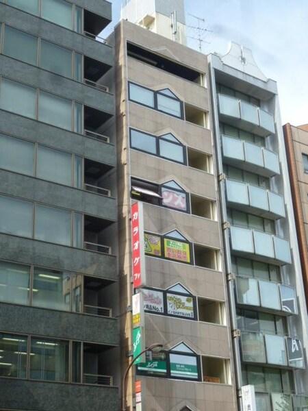 都営浅草線 浅草橋駅A2出口を出て、すぐ目の前のビルの3階です。
