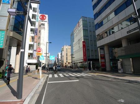大宮駅東口降りて高島屋さんの裏手にございます。
