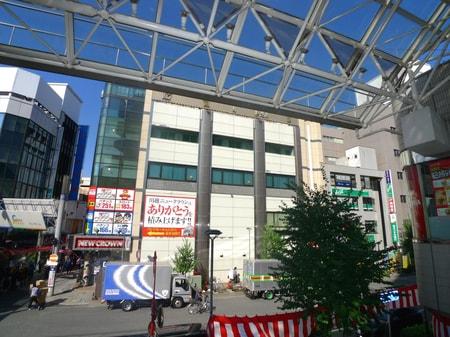 中通路を抜けてロッテリアさん側から右斜め前を見て頂くとエイブルのお店が見えます。