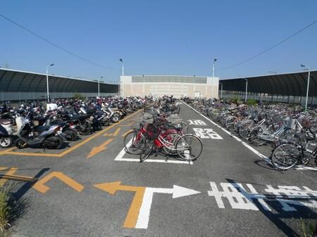 和光市で運営の無料駐輪場です、大型オートバイも無料で、他にあと2か所の無料駐輪場が駅近隣にあります。
