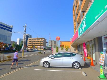 ほっともっとさんの隣りのビル1階にエイブル新鎌ケ谷店があります。