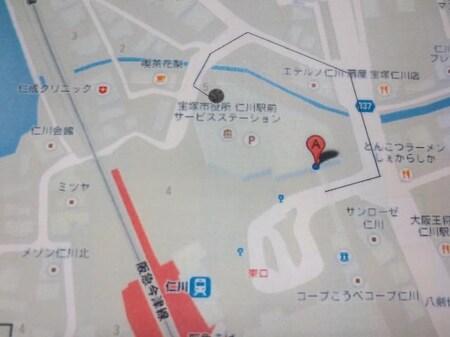 駐車場は黒丸部分になります。地下の一般用に駐車お願いします。
