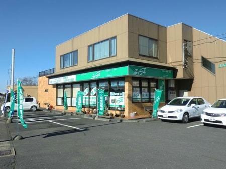 南向きで日あたり抜群の店舗です。元水郷有料道路沿い筒井西交差点の角に位置してます。