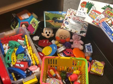 玩具や絵本も準備しております♪