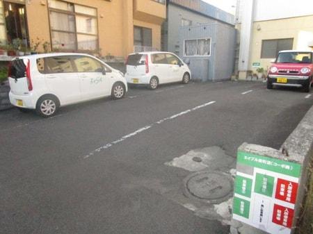 1番・2番・3番が当店の駐車場になっております!満車の場合はお気軽にスタッフにお声がけ下さい。